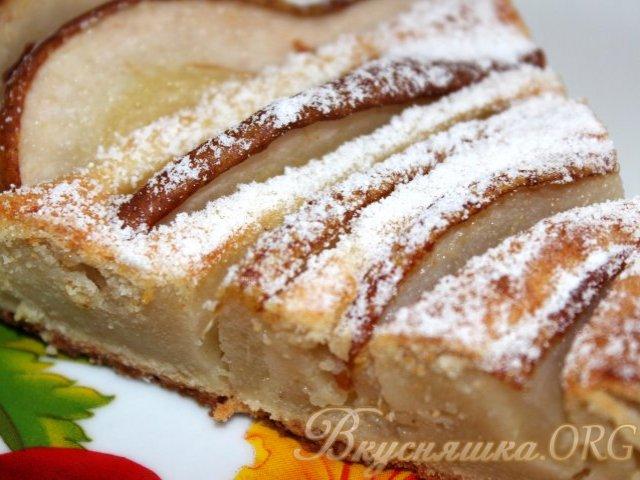 Пирог творожный с грушами