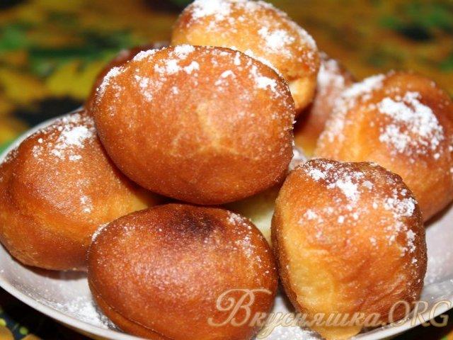 Вкусные пончики с вареньем