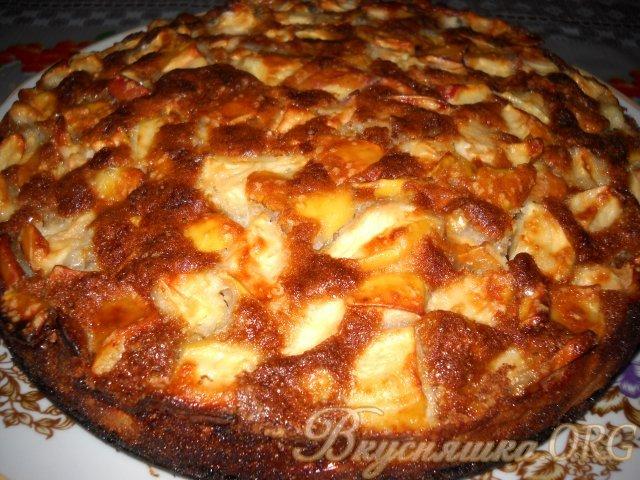 Шарлотка с тертыми яблоками рецепт с фото
