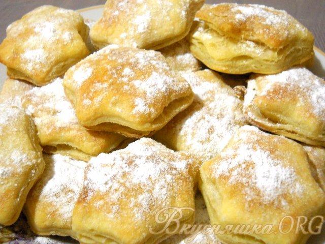 Торты из готовых коржей рецепты со сгущенкой